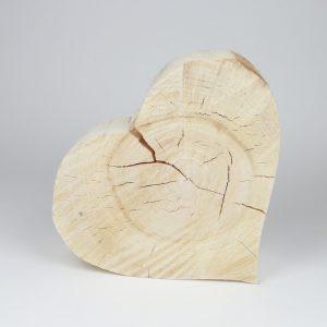 Riesen Holzherz Baumscheibe
