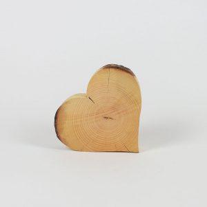 Holzdeko Herz aus Baumscheibe