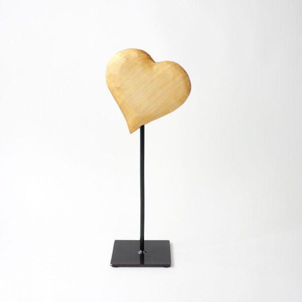 Holzherz auf Metallfuss die Geschenkidee für deine Freundin