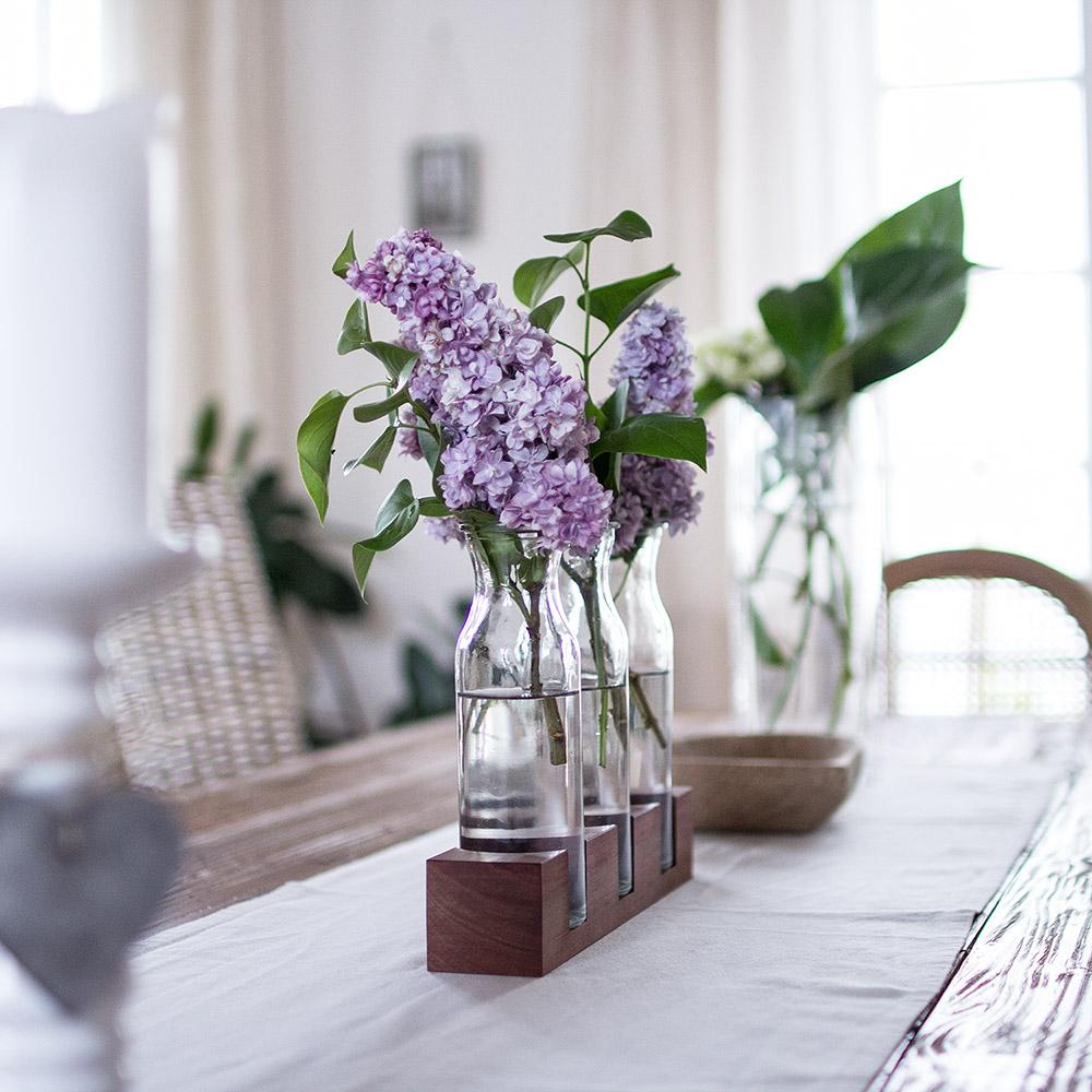 3er Balken Vasen auf Holzsockel Nussbaum