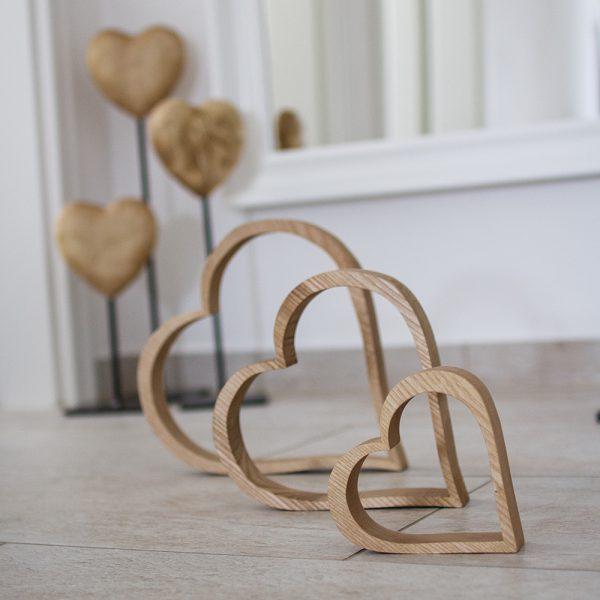 Herzen aus Holz die perfekte Dekoidee