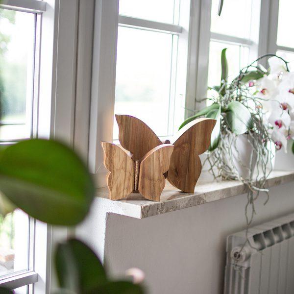 Schmetterling aus Holz gefertigt - schöne Maserung