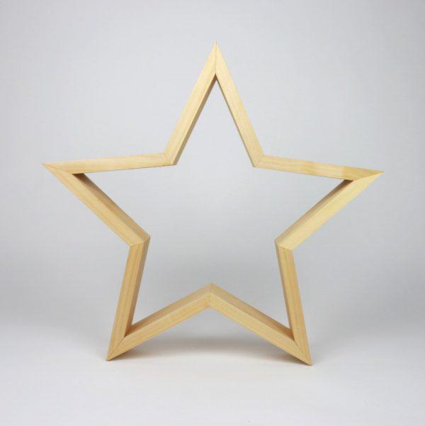 handgemachte Sterne aus Massivholz