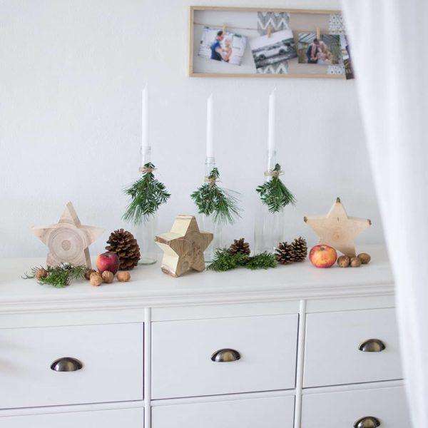 Weihnachtlich dekorieren mit Sternen aus Holz