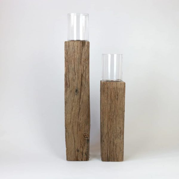 Altholzsaeulen mit Glaseinsatz - moderne Altholzdeko