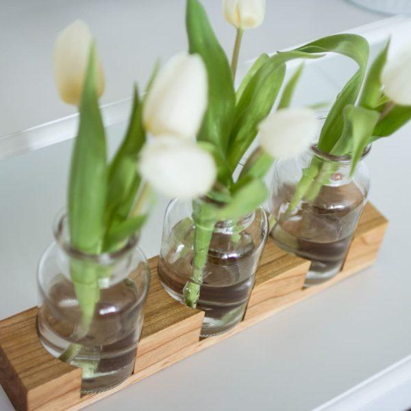 Holzvase mit 3 Gläsern aus Kirschbaumholz