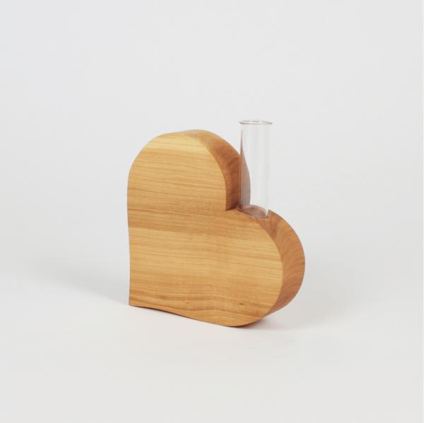 Geschenke aus Holz - Herzdeko mit Vase