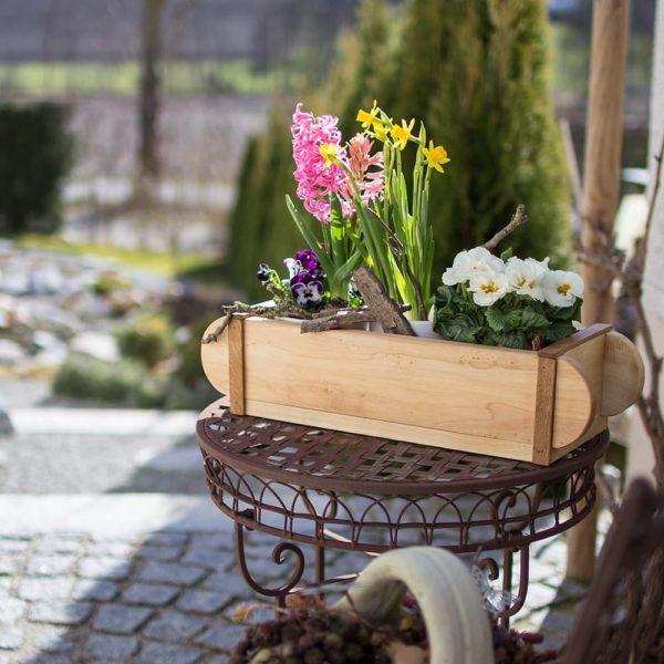 Holzdeko handgemacht zum Dekorieren im Frühling