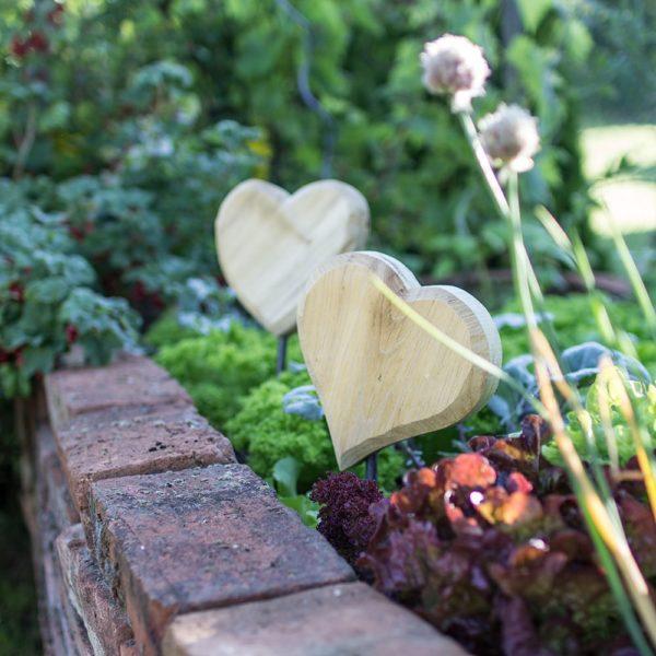 Herzen zum Einstecken in den Garten